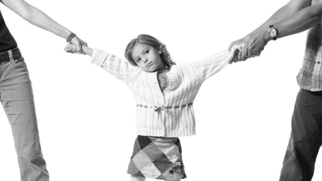 Advokatfirmaet Kirkholm kan hjelpe med barnefordeling.